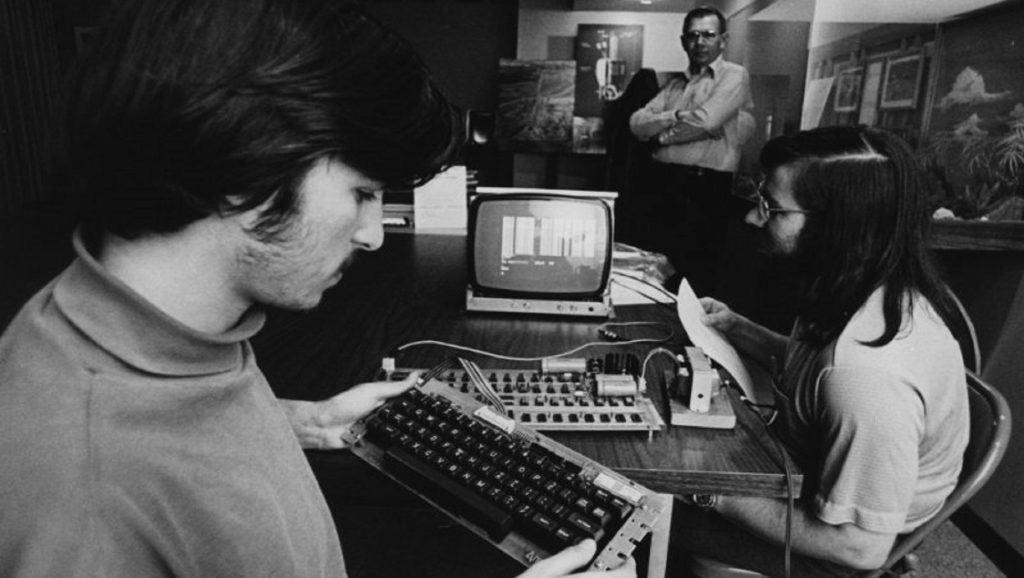 Steve Jobs y Steve Wozniak en el Homebrew Computer Club