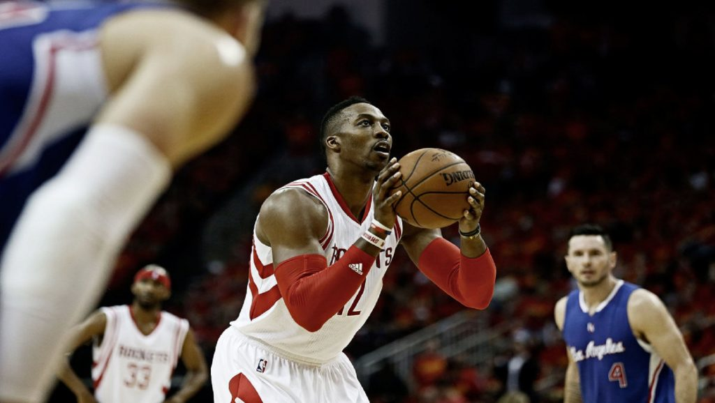 Dwight Howard tirando tiro libre