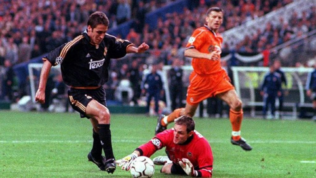 Rául durante la final de Champions League del 2000