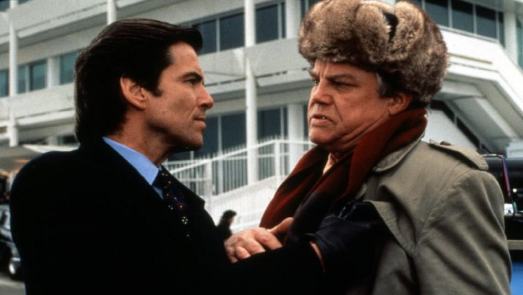 "Pierce Brosnan y Joe Don Baker en ""Goldeneye"""