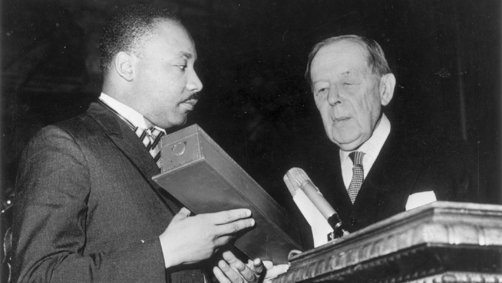 Martin Luther King recibiendo el Premio Nobel de la Paz