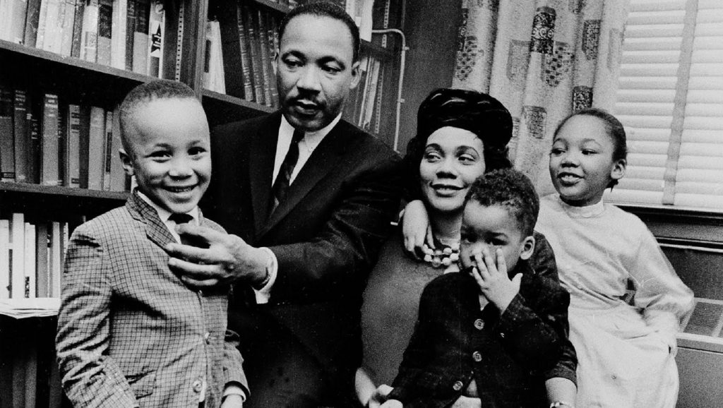 Martin Luther King con su familia