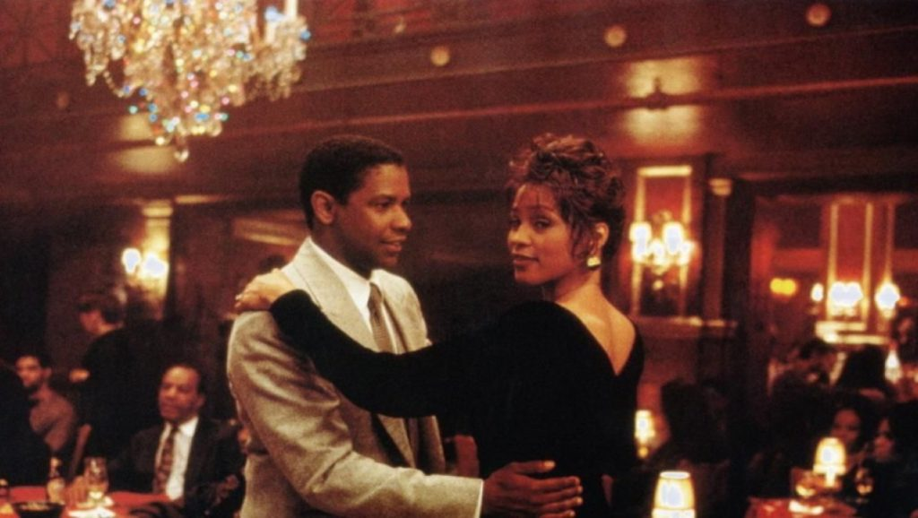 "Denzel Washington y Whitney Houston en ""La Mujer del Predicador"""