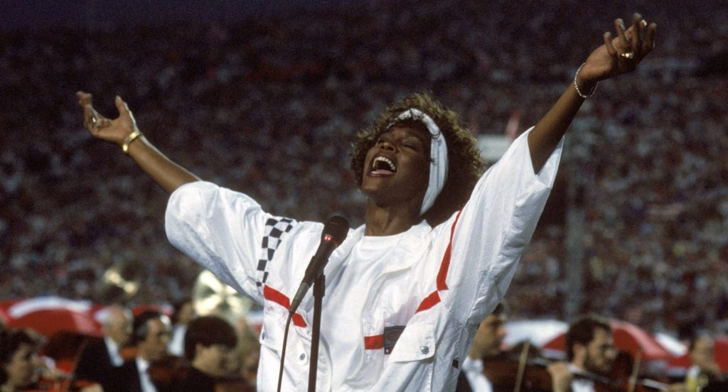 Whitney Houston cantando el himno nacional en la Super Bowl nº25